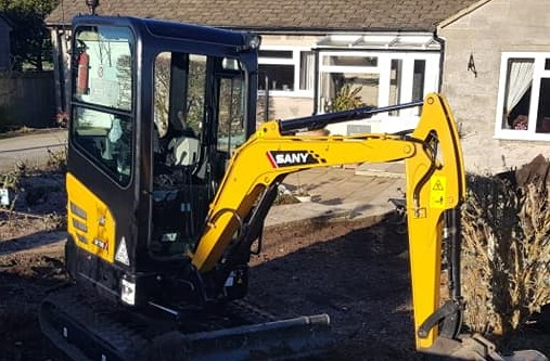 SANY SY18 Helps LA Landscaping Services Provide Top Class Customer Service