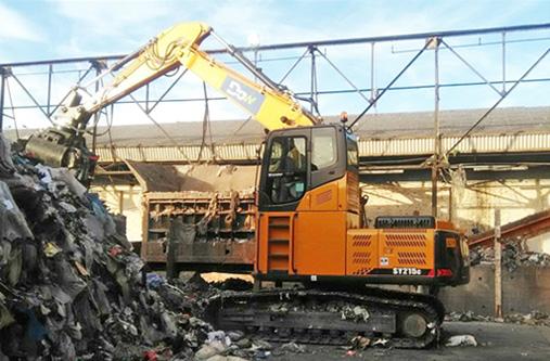 Dow Waste Management – SY215C with hi-rise cab retrofit